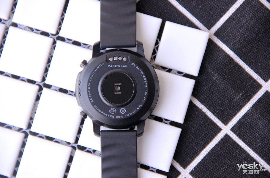 多表盘切换 腾讯Pacewear HC周年限量版智能手表图赏