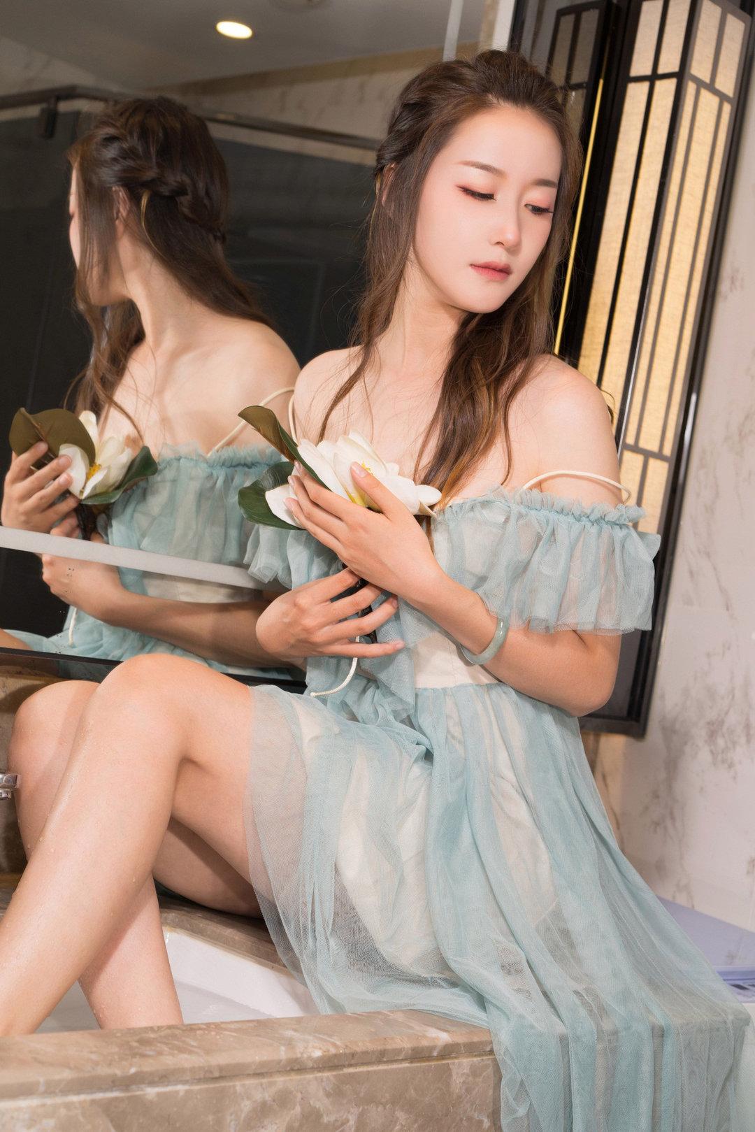 _清纯美女艺术写真 长发飘飘宛如世外仙子,杨暖女神肤如凝脂,美目盼兮
