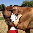 亲密无间的人与动物图片_动物