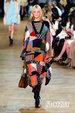 格子元素与拼接的融合 打造时尚风格_服饰搭配