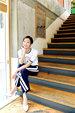 韩人气女星金高银高清写真 纤细美腿彰显气质_韩国女明星