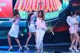 韩国人气女团AOA演唱会完美开唱 掀起性感风暴_韩国女明星