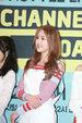 人气女团AOA举行新单曲发布会 好身材抢镜_韩国女明星