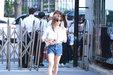 APINK最新街拍 大长腿抢眼_韩国女明星