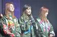 EXID军绿色外套帅气亮相 时尚态度尽显_韩国女明星