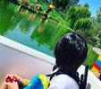 林志颖夫妇带儿子游乐园游玩 享受亲子时光_娱乐组图