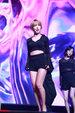 AOA演唱会舞台燃爆 看的人热血沸腾_韩国女明星