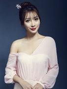 柳岩 《煎饼侠》《奇葩说》明星杂志,广告大片-中国女明星
