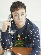 释小龙圣诞撩妹 暖男欧巴给你打电话-中国男明星