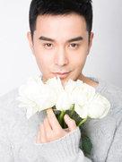 王雅伦贺岁写真曝光 尽显优雅暖男气质-中国男明星