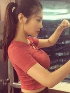 徐冬冬生活照盘点:只穿短袖就很-中国女明星