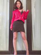 相当野!蔡卓妍穿网袜自解上衣秀性感-中国女明星