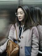 张雪迎青春靓装活力四射 变小迷糊忙找路-中国女明星
