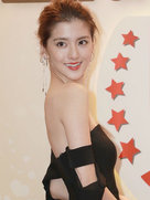 吴千语露白皙美肩胸部无料-中国女明星