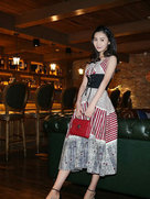 张维娜曝最新甜美写真-中国女明星