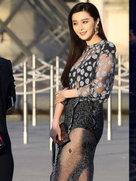 范冰冰秀美腿 只是微博照和现场图有点差别-中国女明星