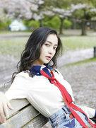 angelababy教你打开樱花季最佳拍照姿势指南-中国女明星