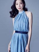 锁骨杀!韩雪穿蓝色长裙仙气飘飘-中国女明星