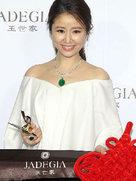 林心如产后狂赚奶粉钱 露少女般笑容-中国女明星