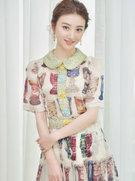 景甜穿花裙与男设计师贴面吻 热聊似老友-中国女明星