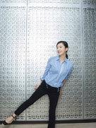 杨子姗清新造型秀长腿-中国女明星