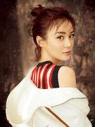 袁姗姗封面大片曝光 倔强侧颜又暖又攻-中国女明星