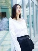 蒋欣初夏写真率性优雅-中国女明星