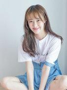 90后小花曹曦月曝写真 裸妆出镜肌肤粉嫩-中国女明星