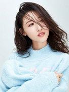 谢林彤长发演绎呆萌性感-中国女明星