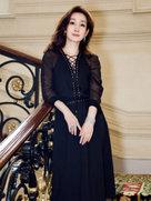 秦海璐现身法国 穿黑色连衣裙展示姣好身材-中国女明星