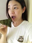 陈妍希素颜吃肉粽 皮肤白嫩产后仍似少女-中国女明星