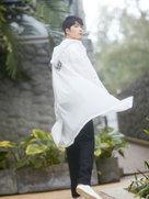 陈学冬白衣写真曝光 眼神纯净笑容温柔-中国男明星