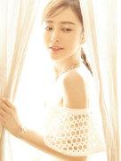 直男斩!穿镂空裙的秦岚完美演绎优雅魅力-中国女明星