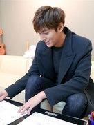 男神李敏镐最新帅气写真 笑容温暖-韩国男明星