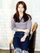 裴秀智优雅写真 举手投足皆显恬静气质-韩国女明星