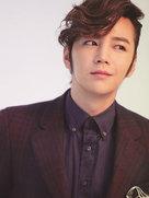 张根硕魅力写真 造型酷帅眼神有戏-韩国男明星