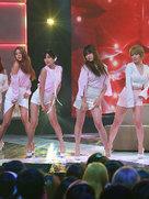 女团AOA演唱会劲歌嗨翻天 青春无敌光芒四射-韩国女明星