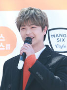 BTOB陆星材接受新剧采访 笑容如春风十里-韩国男明星