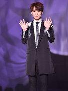 BTOB帅气亮相发布会 与粉丝进行现场互动-韩国男明星