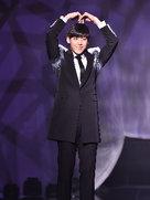偶巴BTOB帅气亮相 长腿瞩目堪称行走的衣架-韩国男明星