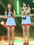 APINK短裙惊艳亮相 个个都是长腿大摄影-韩国女明星