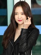 APINK街拍秀 时髦造型非常好看-韩国女明星