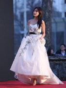 APINK亮相开幕红毯 长裙性感妩媚-韩国女明星