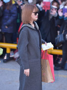 APINK低调亮相 现场与粉丝热情互动-韩国女明星