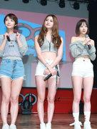 EXID现身专访 蛮腰美腿引粉丝尖叫!-韩国女明星