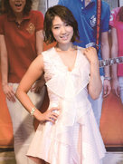 朴信惠白裙亮相发布会 珠圆玉润气色好-韩国女明星