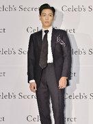大长腿欧巴TOP帅气亮相 巨星范儿十足-韩国男明星