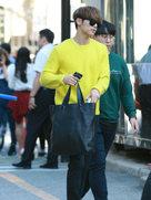 CNBLUE最新街拍 青春气息爆满-韩国男明星