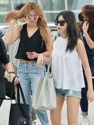 AOA最新街拍 造型简约不失时尚-韩国女明星