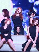 AOA演唱会拉开序幕 火辣嗨翻全场-韩国女明星
